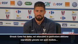 Giroud scherza con l'addetto stampa