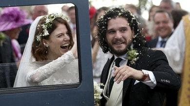 Game of Thrones, il matrimonio di Kit Harington e Rose Leslie sposi