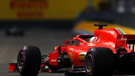 F1 Francia, Vettel subito ai box