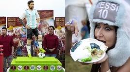 Argentina, i tifosi mangiano la torta Messi!