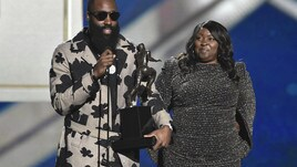 NBA Awards, Harden MVP. Simmons miglior giovane