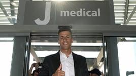 Juve, è il giorno di Cancelo: visite mediche e firma