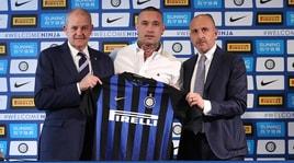 Inter, Nainggolan si presenta: sguardo concentrato e pochi sorrisi