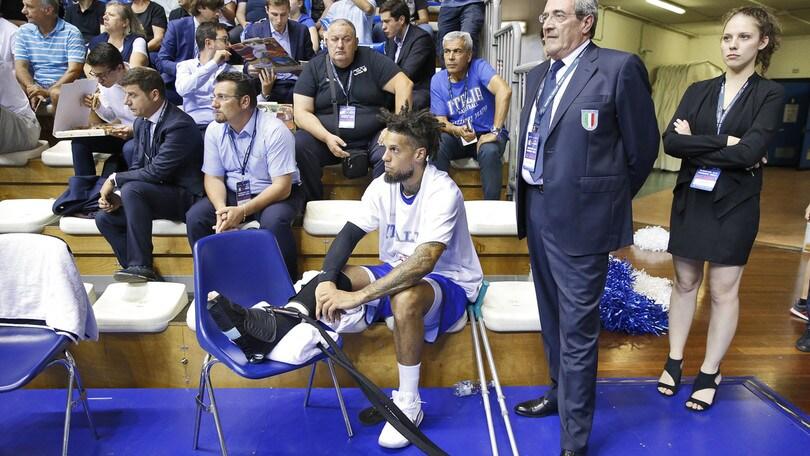 Tegola per l'Italbasket: Hackett salta Paesi Bassi-Italia