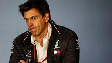 F1 Singapore, Wolff: «Teniamo i piedi per terra, può succedere di tutto»