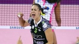 Volley A1 femminile - L'esperienza di Ilaria Garzaro per il muro della Lardini