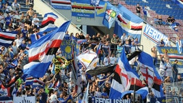 Serie A Sampdoria, appesi ombrelli blucerchiati vicino al Ferraris