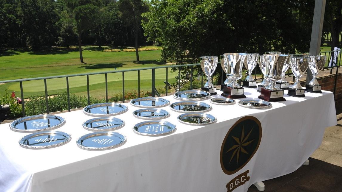 La prima edizione della originale competizione si è svolta domenica 1° lulgio. Hanno trionfato le storiche Jaguar, Mercedes e una Lancia Augusta del 1935. Una nuova opportunità per avvicinare il mondo dei collezionisti d'auto d'epoca al Golf.