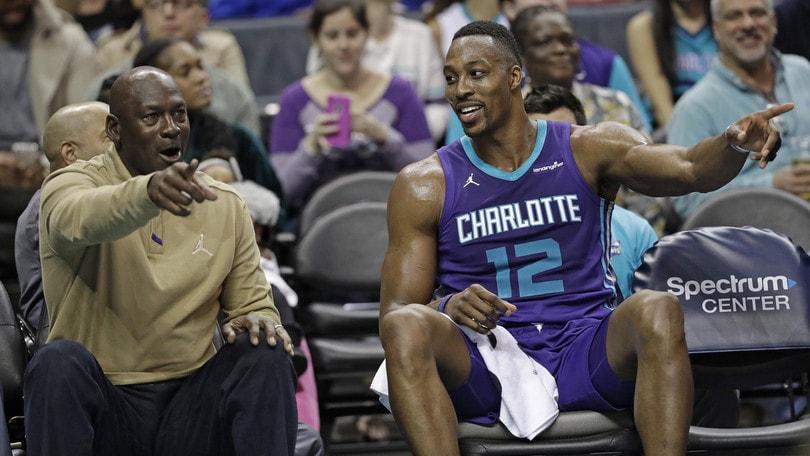 Mercato NBA, Howard diretto ai Wizards. I Magic vogliono Thomas