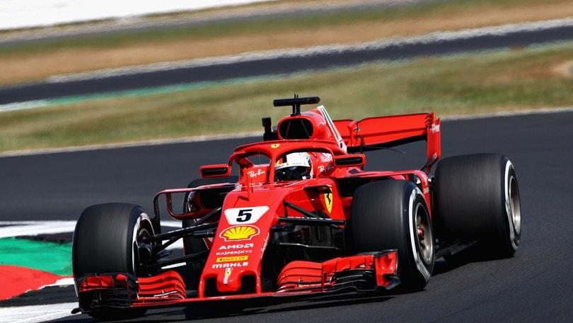 F1, la moglie di Raikkonen attacca Hamilton: