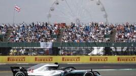 F1, griglia di partenza Gp Gran Bretagna: Hamilton in pole, ma Vettel è 2° e vicinissimo