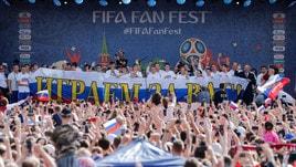 A Mosca in migliaia per salutare la Russia