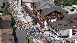 La carica dei 2.400 alla Primiero Dolomiti Marathon