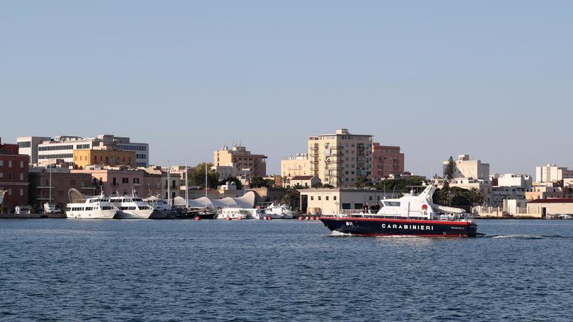 Migranti:polizia verso nave Vos Thalassa