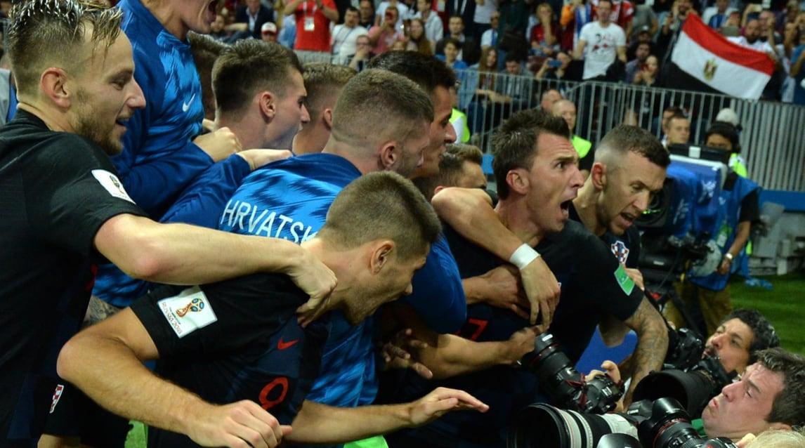 Nel secondo tempo supplementare l'attaccante della Juventus segna la rete del 2-1 che manda a casa l'Inghilterra