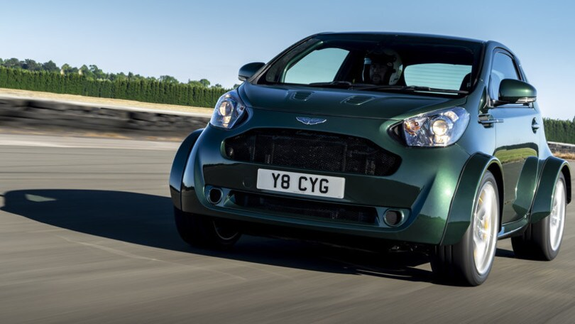Aston Martin Cygnet V8, motore e stupore in city car
