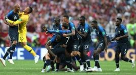 Francia-Croazia 4-2: le immagini più belle del trionfo dei 'Galletti'