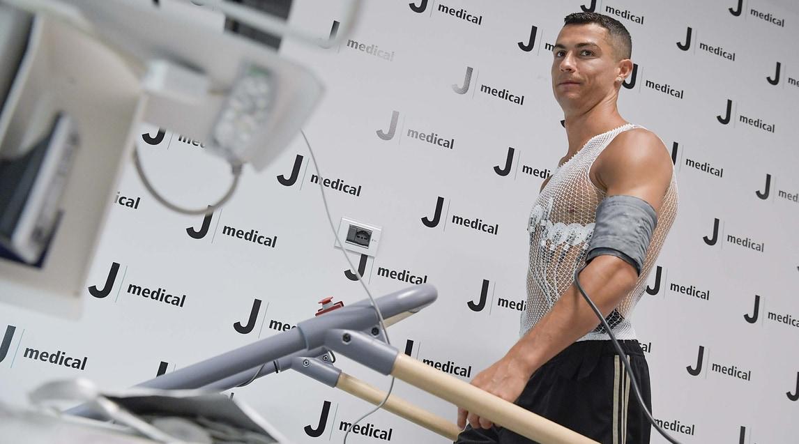 Il fuoriclasse portoghese impegnato nelle visite di routine prima della firma del contratto con la Juventus