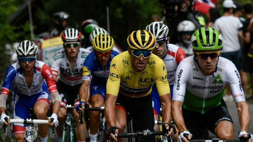Tour de France: Alaphilippe vince la 10ª tappa, la prima sulle Alpi