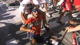 Brutta caduta per Nibali, Tour a rischio per lui