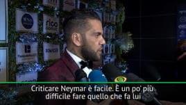 Dani Alves difende Neymar: