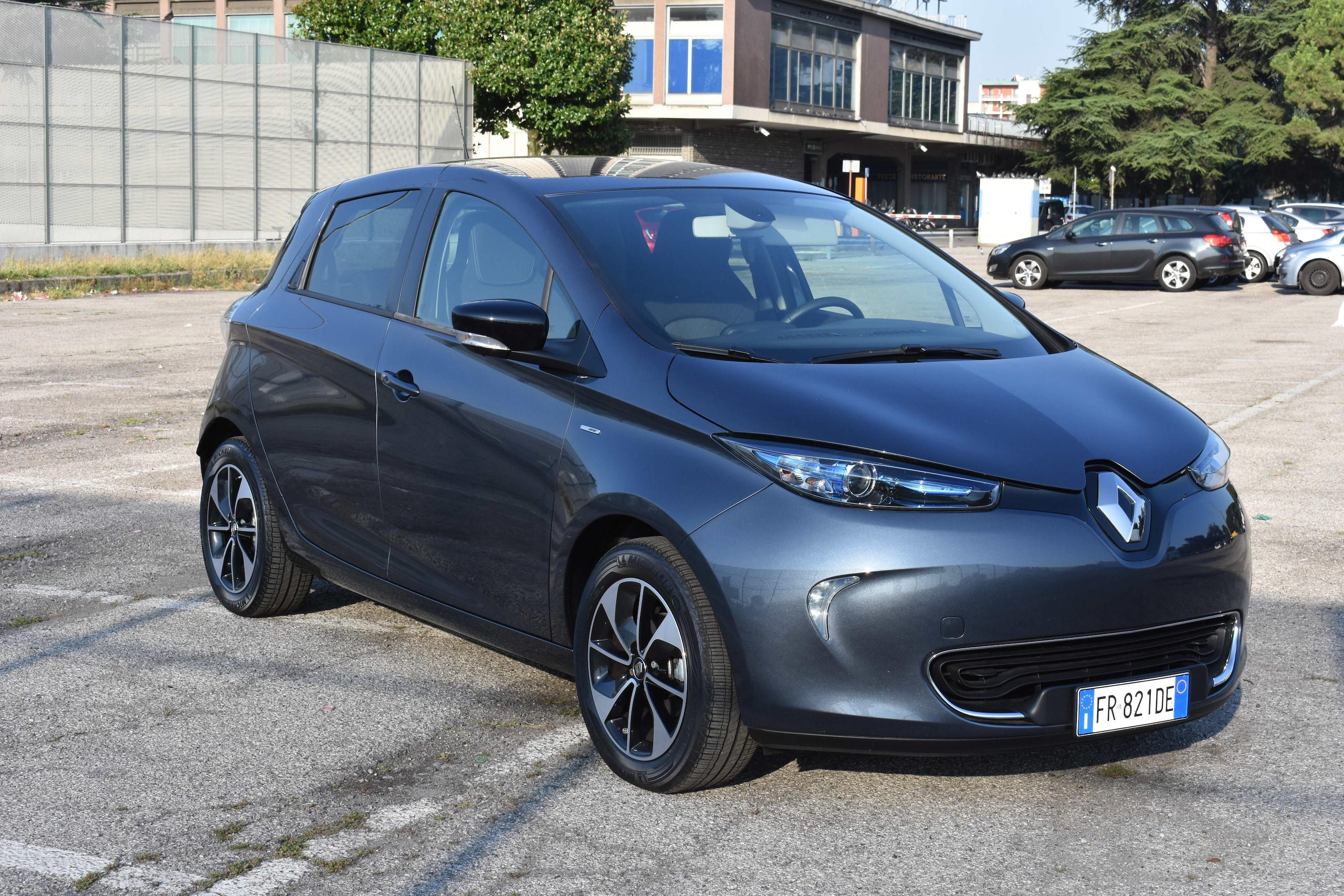 Test comparativo Citroën E-Mehari Hard Top e Renault Zoe Intens R110