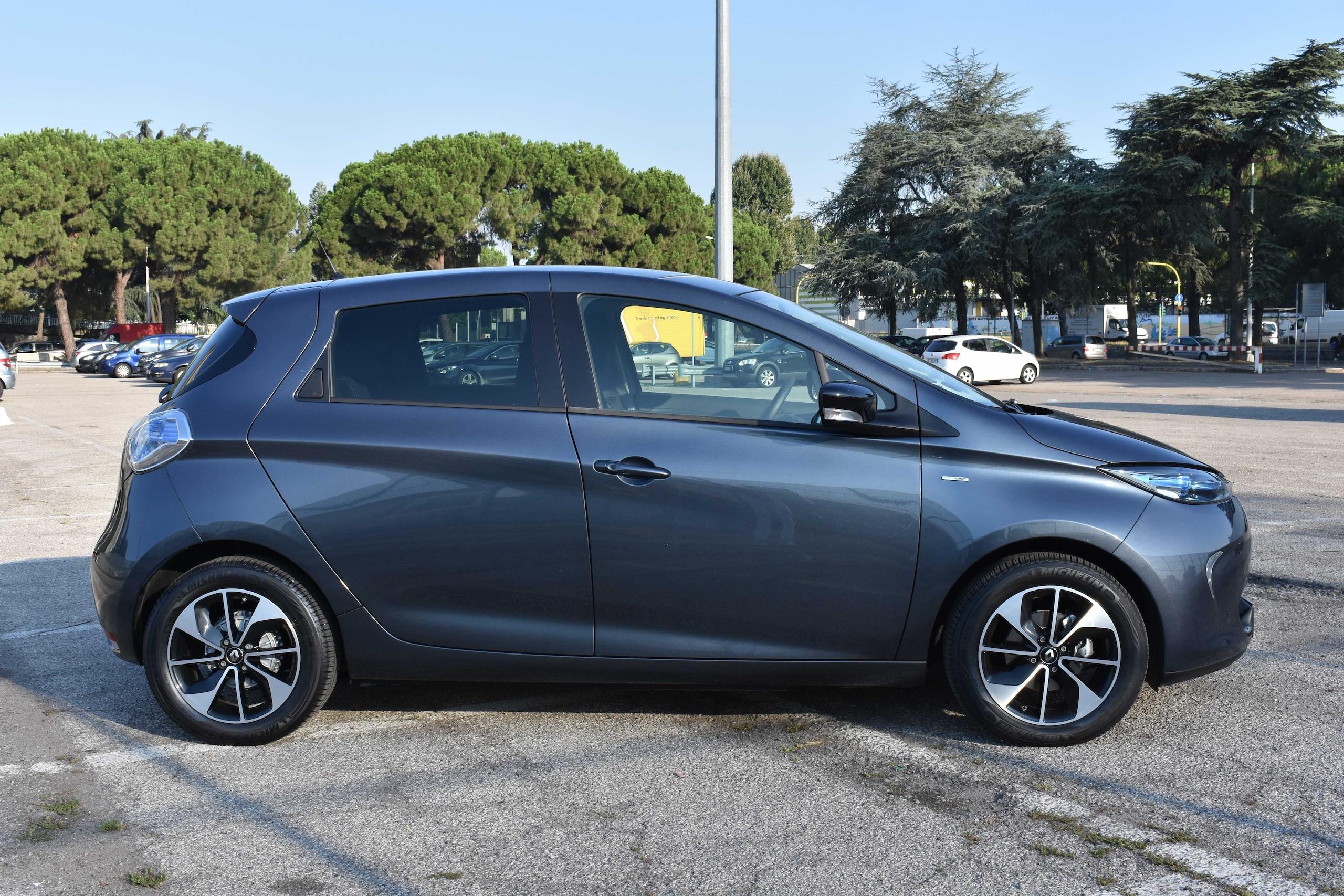 Test comparativo Citroën E-Mehari Hard Top e Renault Zoe Intens R110