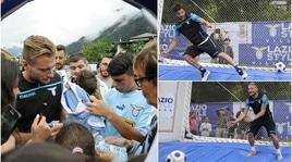 Lazio, tifosi pazzi per Immobile che poi sfida Parolo sui gonfiabili