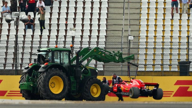 F1 Germania: Vettel out, comanda Hamilton