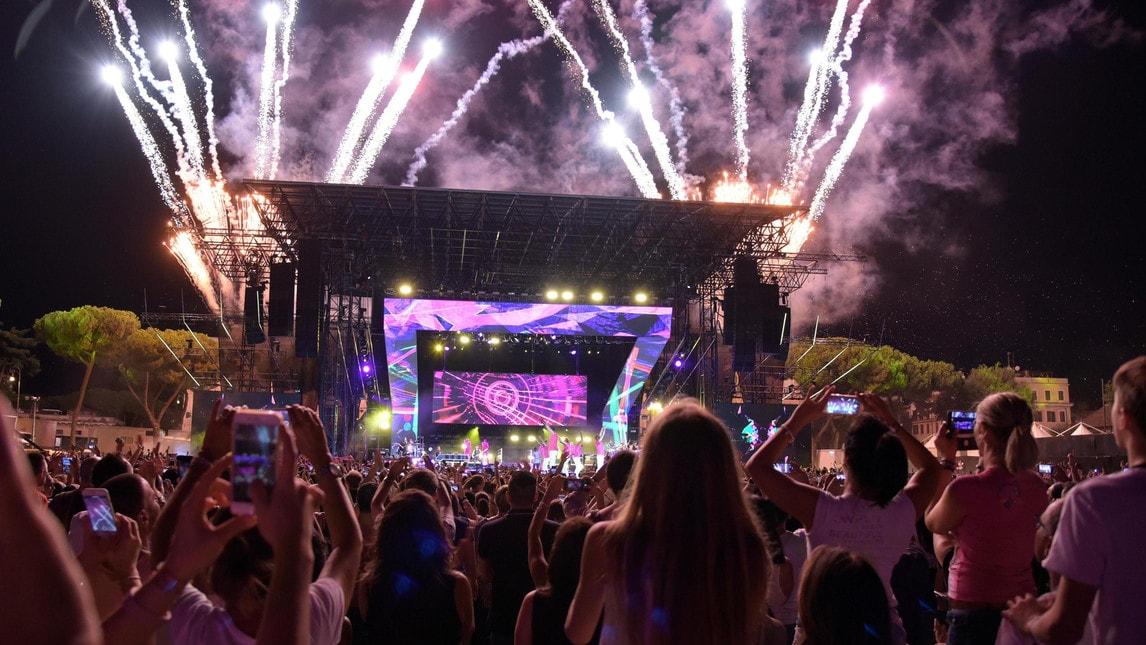 La grande cantante italiana incanta la capitale con un concerto sold out da brividi