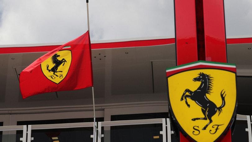 F1 Ungheria: bandiera Ferrari a mezz'asta per Sergio Marchionne