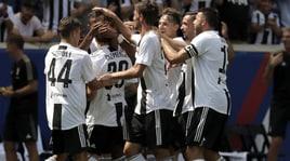 ICC, bis della Juventus: Benfica ko ai rigori. Che gol di Clemenza!