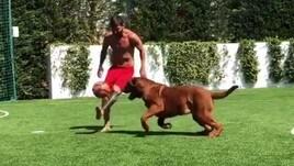 Messi è già in forma: dribbling ubriacante al cane