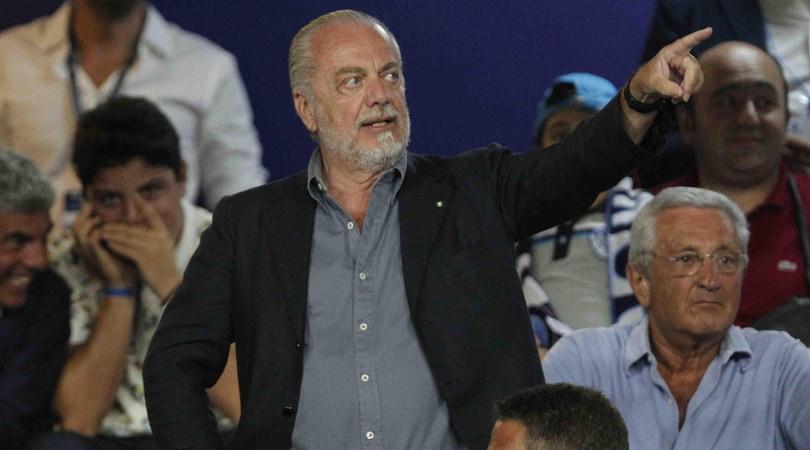 Napoli, nuovi striscioni contro De Laurentiis: