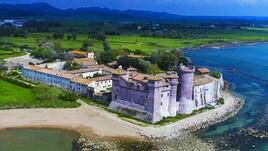 Antigone in scena al Castello di Santa Severa