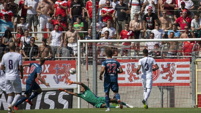 F. Dusseldorf-Fiorentina 1-1: Ducksch replica a Montiel