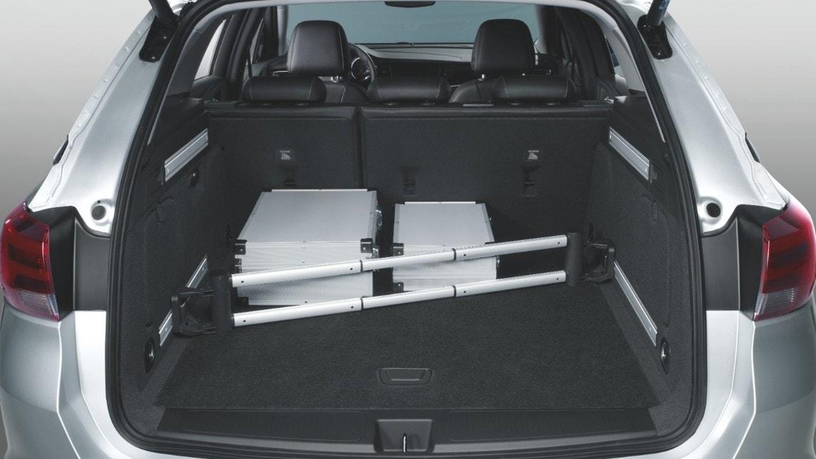 La Casa tedesca mette a disposizione dei propri clienti una suite di accessori completa, che rendono l'auto perfetta per il tempo libero e non solo