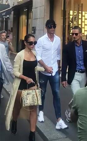 Cristiano Ronaldo fa shopping a Milano