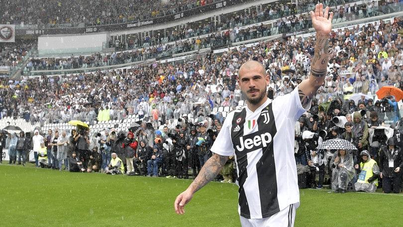 Calciomercato Juventus, ufficiale: Sturaro va in prestito allo Sporting
