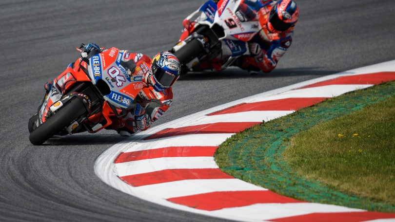 MotoGp Austria, Libere 1: Dovizioso in testa, Rossi 11°