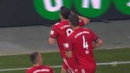 Lewandowski è rinato, tripletta all'Eintracht