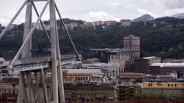 Ponte Genova, 100 metri sono crollati: coinvolte auto e tir