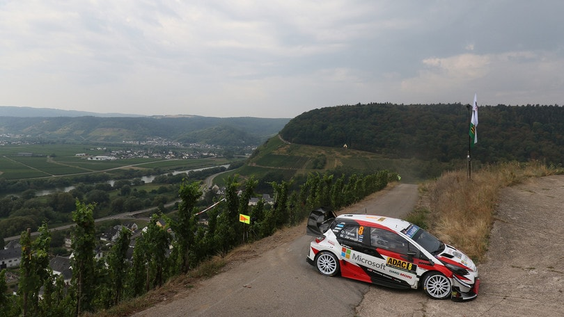 Rally, Tanak trionfa in Germania