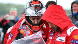 MotoGp Silverstone, allarme meteo: o si corre oggi o gara annullata