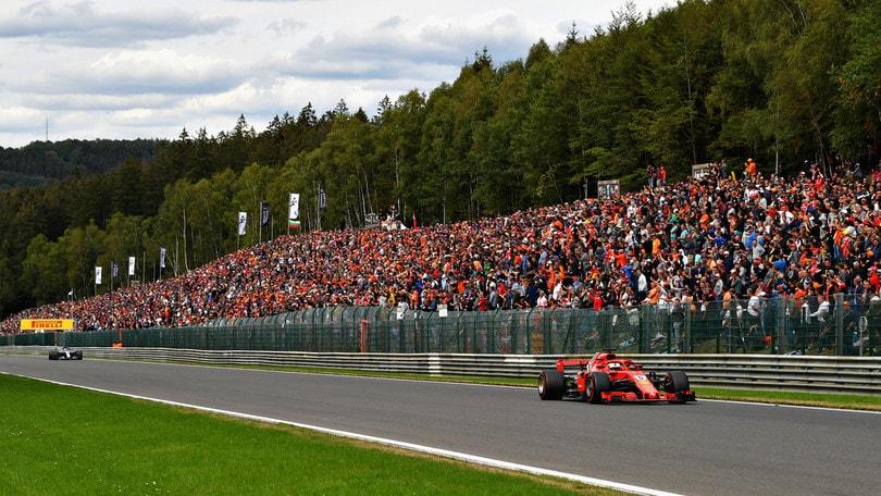 F1 Belgio, comanda Vettel. Hamilton secondo