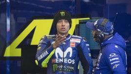 MotoGp Silverstone, Rossi: «Correre sarebbe stato molto pericoloso»