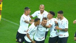 Brasile, segna l'ex Napoli Henrique