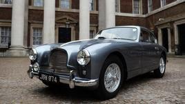 Aston Martin scalda motori per Borsa