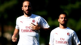 Milan, Higuain suda in allenamento pensando alla Roma
