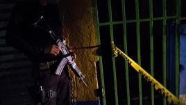 El Salvador, arrestati 400 membri gang